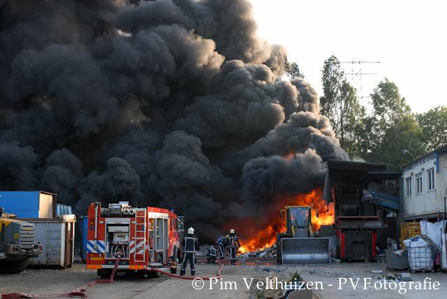http://www.brandweerdematen.nl/wp-content/uploads/2011/06/fotohome.jpg